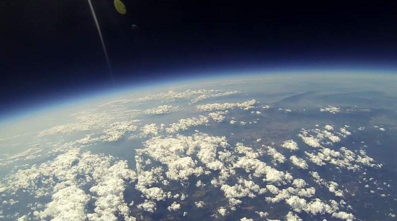 Снимка от стратосферна мисия на Space Challenges – България от 30 км височина.©Space Challenges и личен архив.