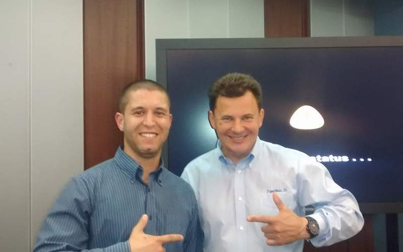"""Роман Романенко (вдясно) на софийската среща заедно със Сергей Петров от екипа на """"Космически предизвикателства""""."""