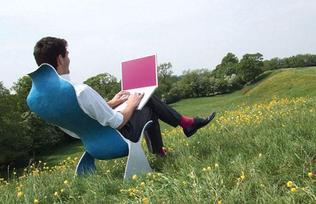Дигиталните номади, които не признават офис и работно време, печелят все повече последователи.