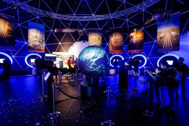 """През май и юни тази година българската програма Space Challenges си партнира с европейската образователна програма """"European Space Expo"""", която гостува у нас."""