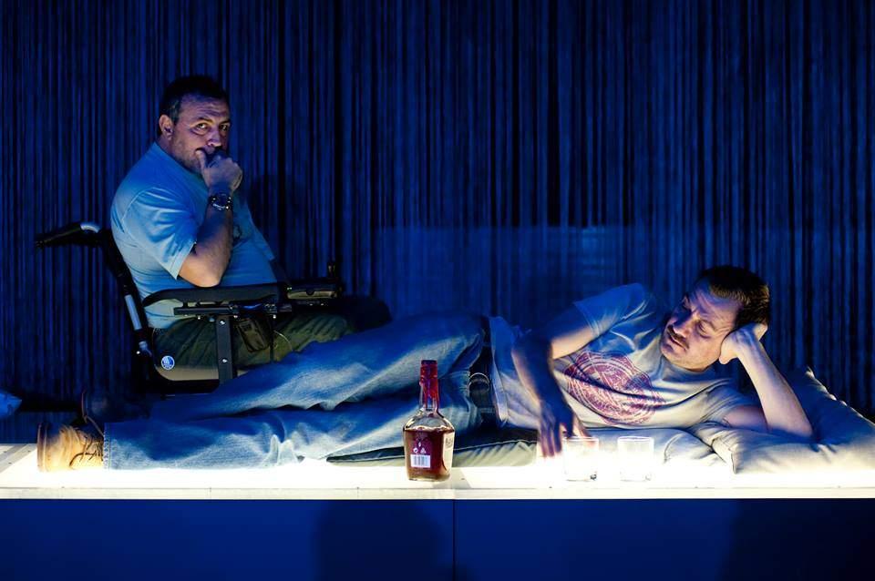 """Със Станимир Гъмов в постановката """"За теб"""", реж. Петър Кауков, """"Открита сцена"""". © Светослав Караджов."""