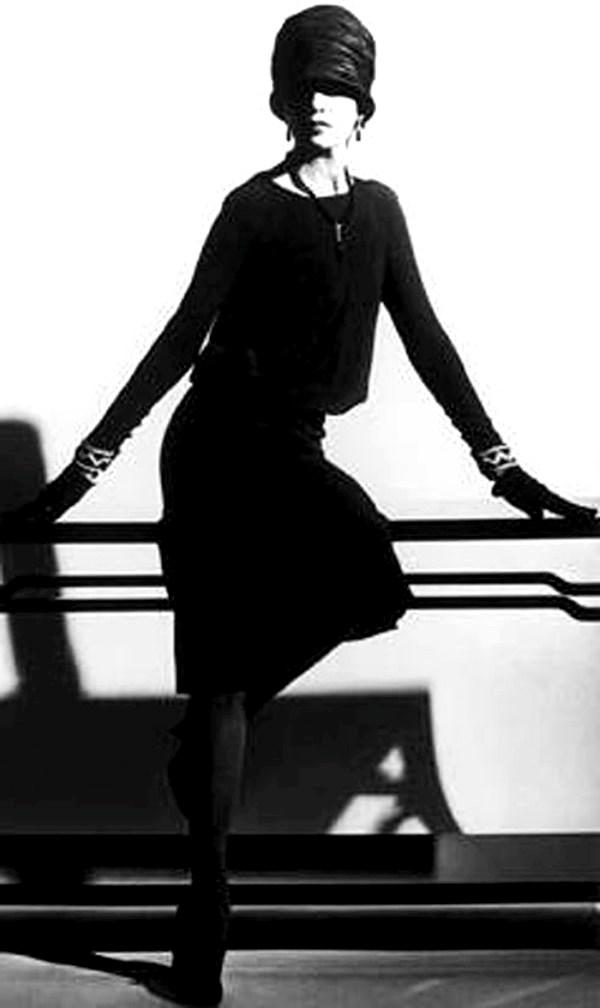 Коко Шанел - силуетът на малка черна рокля от 1926 г.