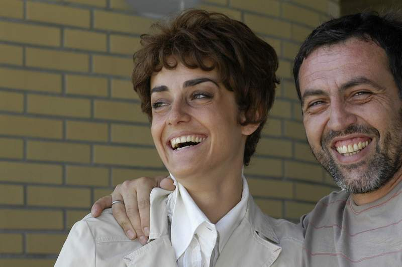 """С Ана Паадопулу във филма """"Светът е голям и спасение дебне отвсякъде"""", реж. Стефан Командарев."""