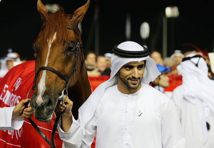 Принцът е отличен ездач, силно е увлечен от този спорт, има собствена конюшня и участва в състезания.