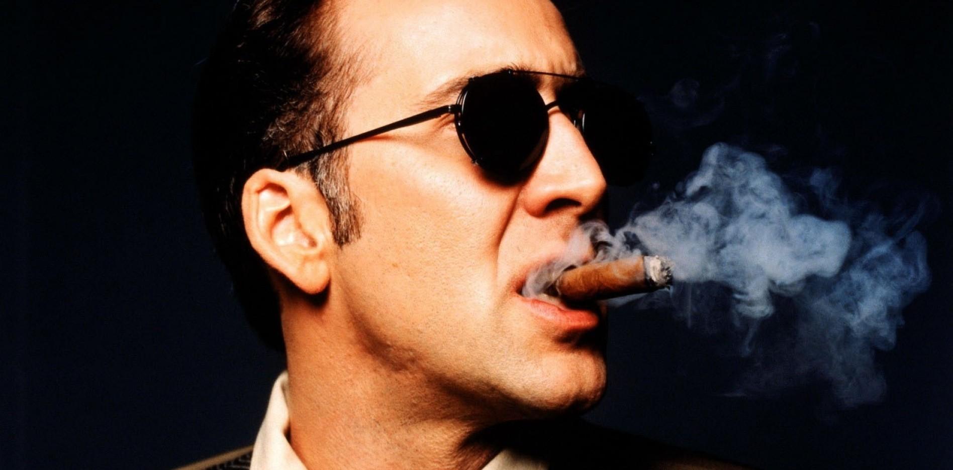 Никълъс Кейдж е сред знаменитостите, любители на големите цигари.