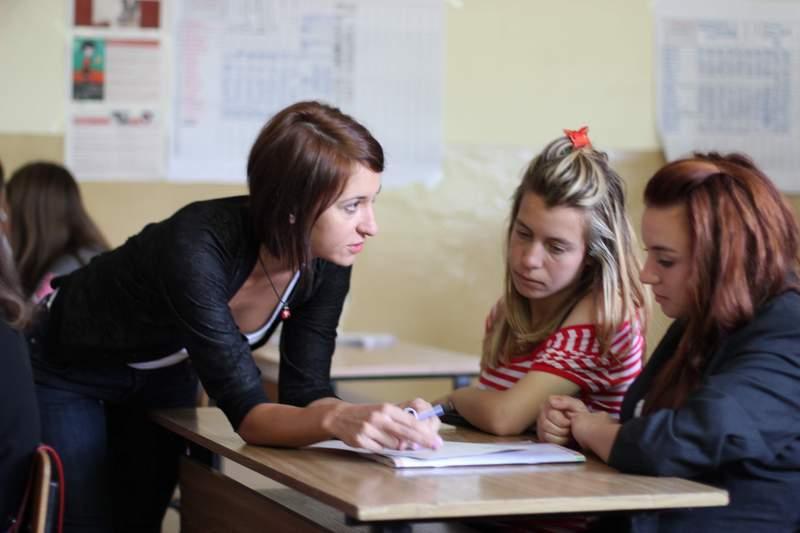 Личната кауза на Йоана Петкова, която работи като учител в СОУ в с. Горна Малина, Софийско, е проект по развитие на ученическата активност и участие в ученически съвети и парламенти.
