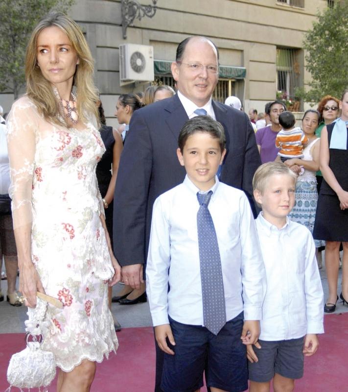 Кардам и съпругата му Мириам Унгрия с двамата си синове - Борис и Белтран.