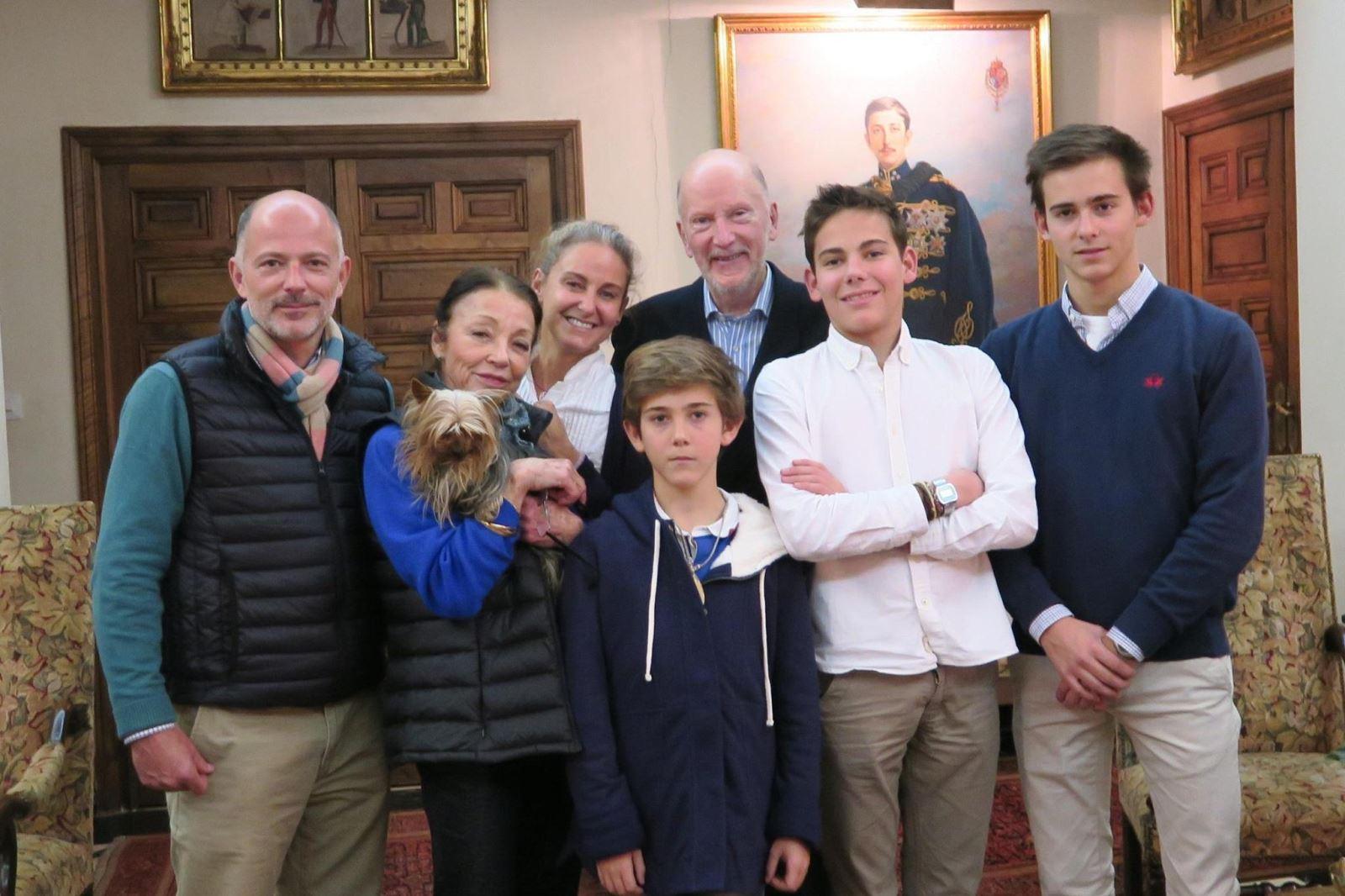 Княз Кубрат, княгиня Карла и техните синове Мирко, Лукас и Тирсо на 80-годишния юбилей на царица Маргарита. 6 януари 2015 г., Мадрид.