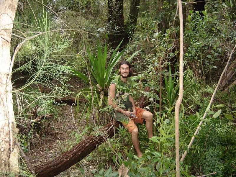 Филип, на 22 години, в райската градина на остров Реюнион.
