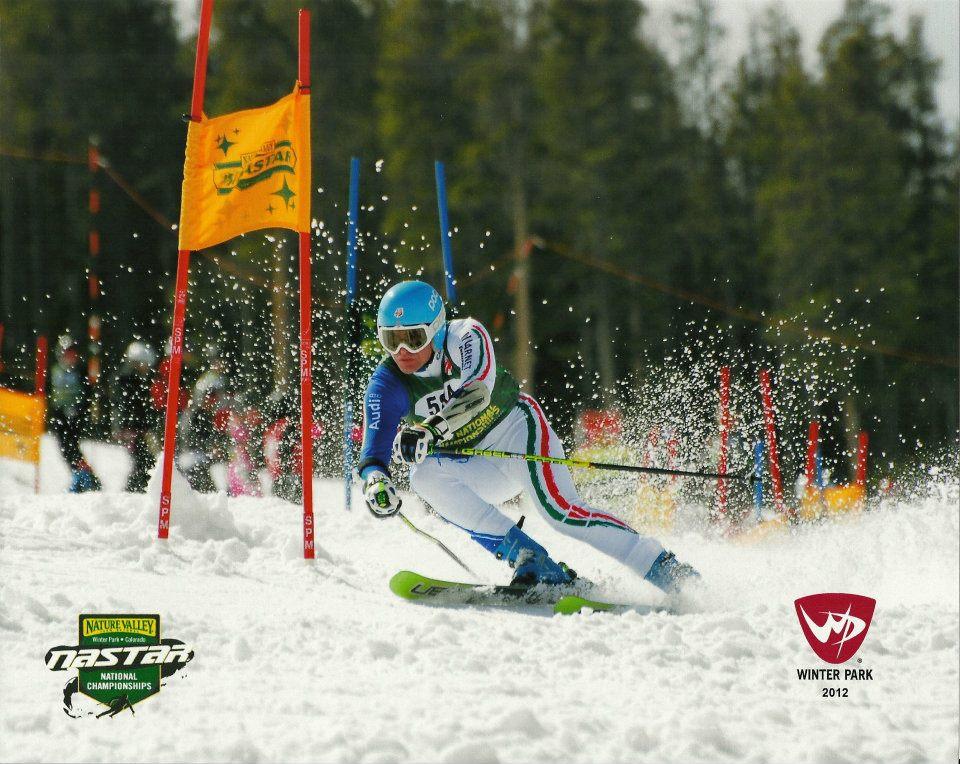 Николай Стоилов е многократен шампион на САЩ и носител на купи по ски алпийски дисциплини.