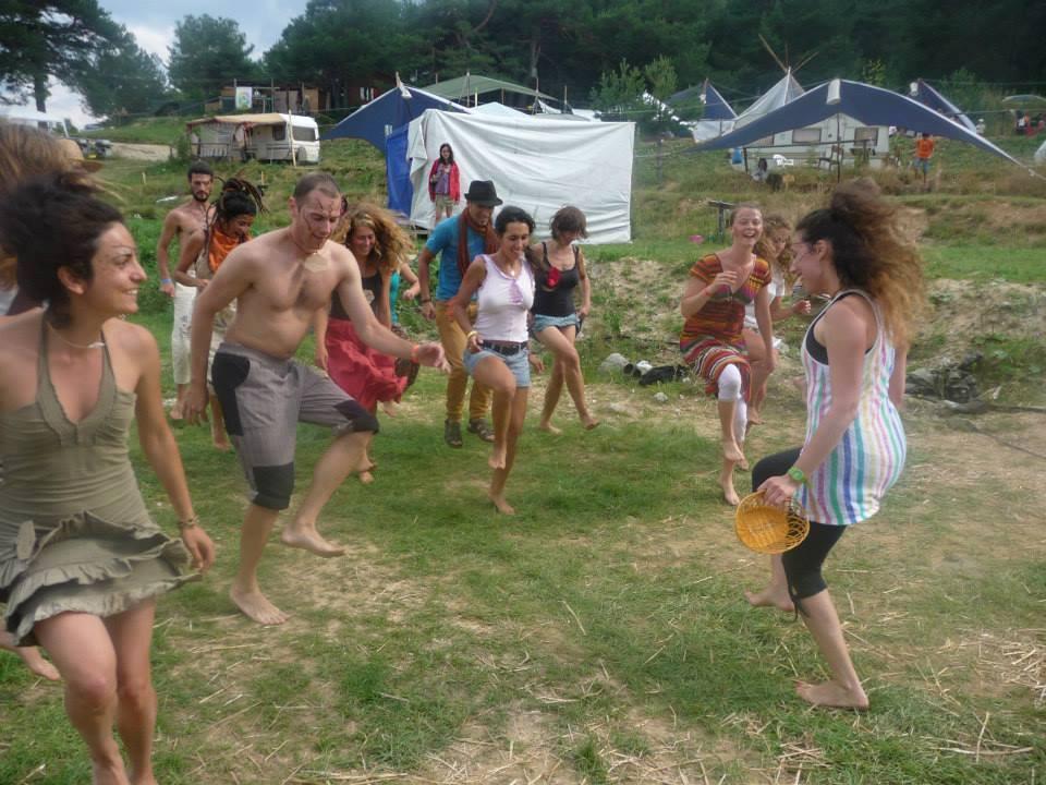 Емоции, веселба и тренинги на Международната среща по перма култура на язовир Батак, 2014 г.