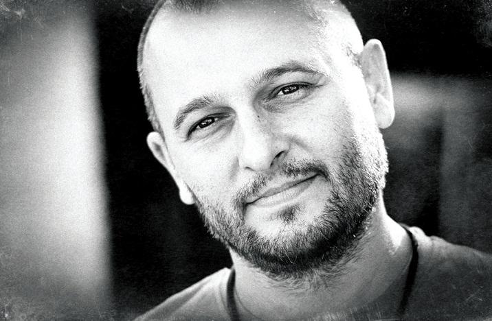 """Станислав Димитров дублира ролята на Шефкет от """"Листопад"""" два пъти - веднъж за Би Ти Ви и веднъж за каналите на Нова телевизия."""