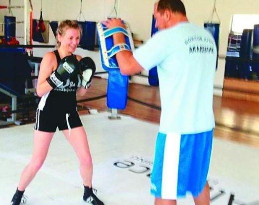 На тренировка по бокс.