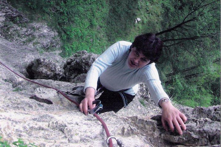 Скално катерене, покоряване на Харамийската пещера.