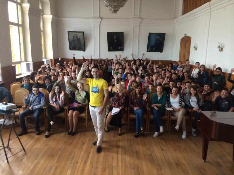 Мила среща с ученици в родната Априловска гимназия в Габрово.