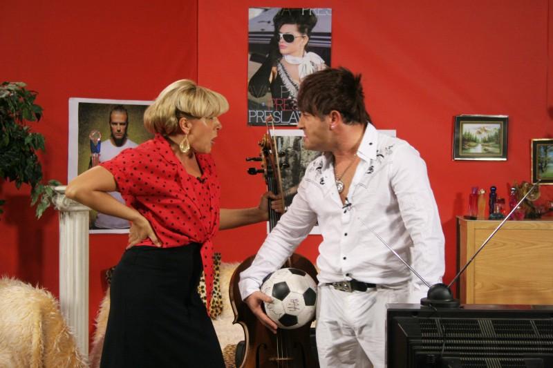 """С Димитър Рачков в """"Пълна лудница""""."""