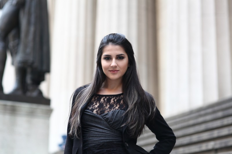 От своя дом в Манхатън Цвета Калейнска не спира да организира кампании да набиране на средства за ГЛОУ, защото вярва в потенциала на България и българите и е пример за подражание на младите момичета.