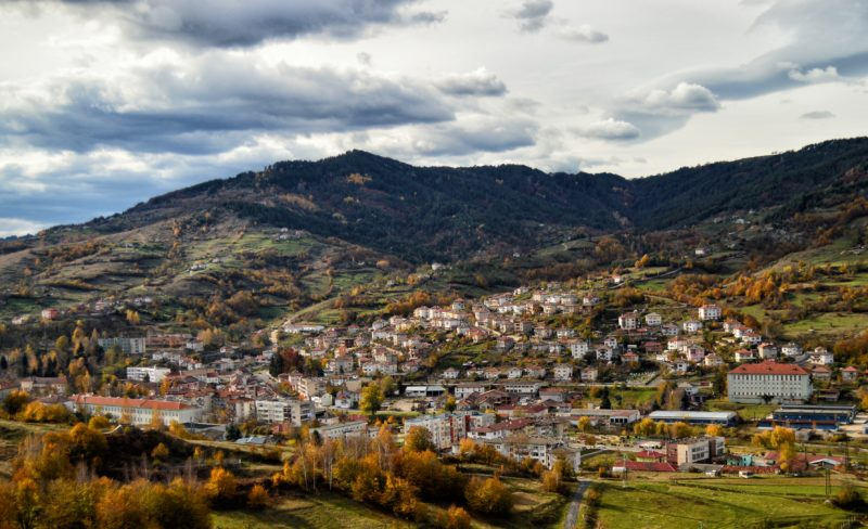 """""""В Ардино, сгушен между планинските склонове, открихме спокойствие и вдъхновение… Какво повече ни трябва?!"""""""