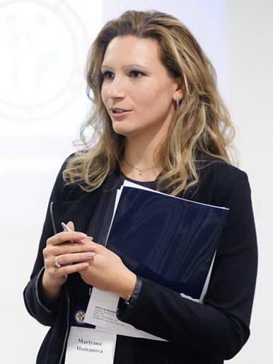 Марияна Хамънова.