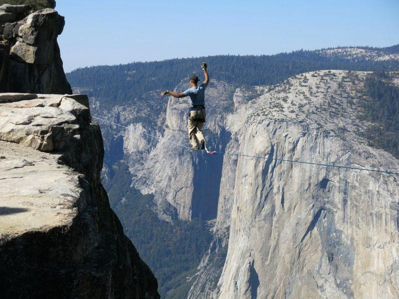 Чувството за равновесие е причислено по-късно към 5-те основни сетива и е най-силно развито при цирковите артисти и лудите авантюристи.