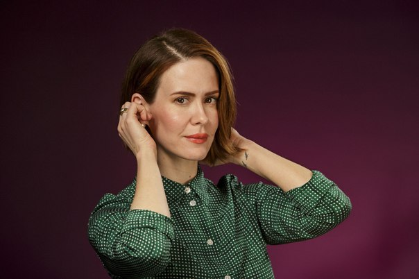 Сара Полсън ще е в ролята на литературната агентка Дороти Олдинг, която първа открива Селинджър за литературата и му остава вярна до края на живота си.