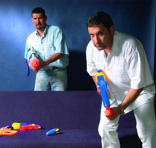 Братята Ангел и Тончо Токмакчиеви.
