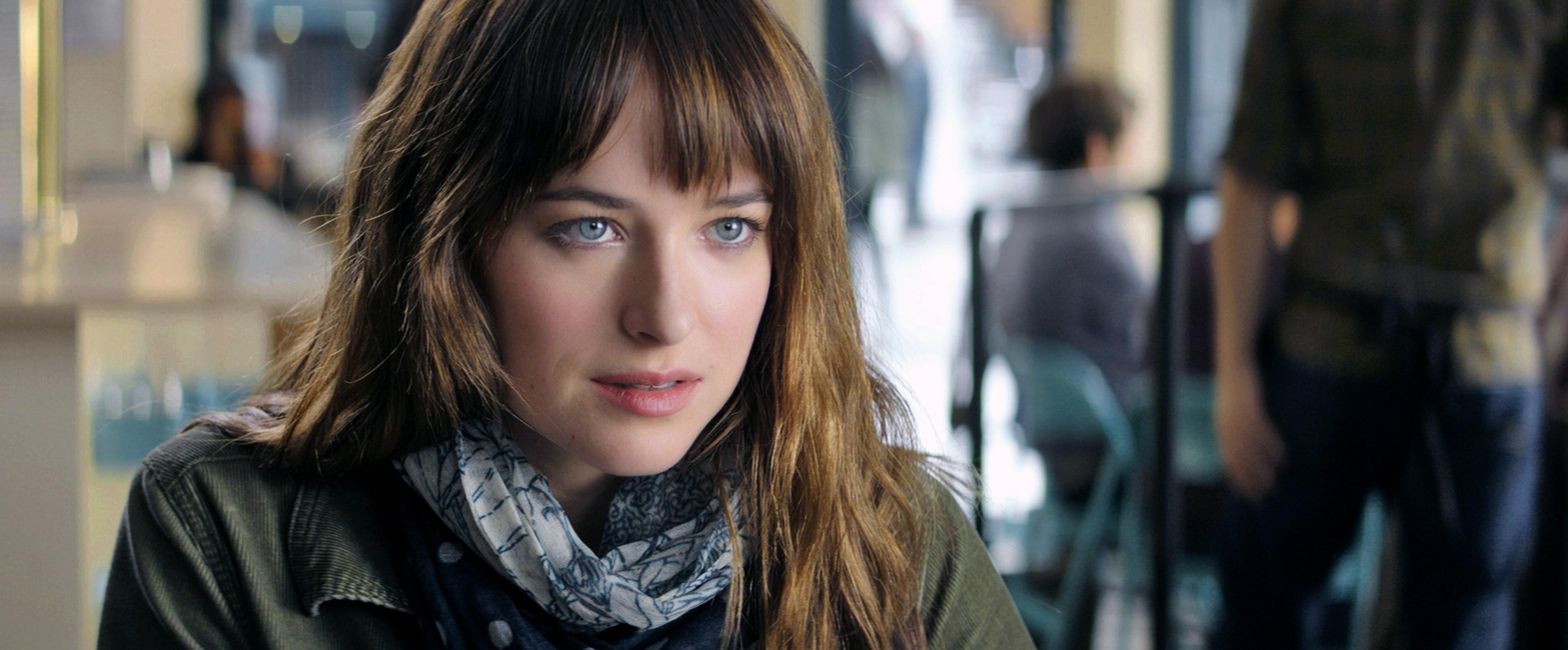 Fifty-Shades-of-Grey-Dakota-Johnson-as-Anastasia