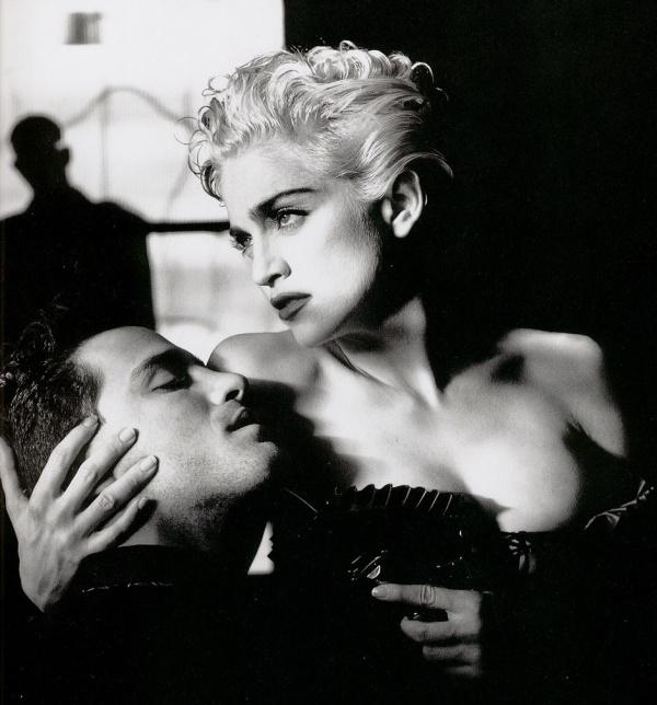 Мадона.