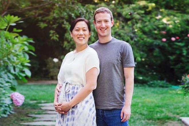 През юли 2015 г. Марк Зукърбърг обяви, че двамата с Присила очакват дете и призова хората открито да обсъждат проблемите със спонтанните аборти. Сн. Mark Zukerberg/Facebook.