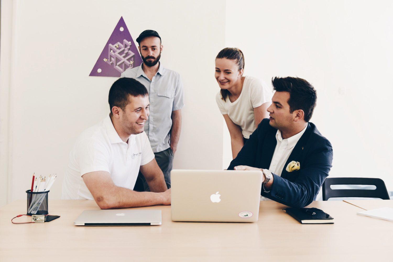 След първата успешна седмица екипът на Bee Smart Technologies си поставя по-високи цели: поне 5-о място.