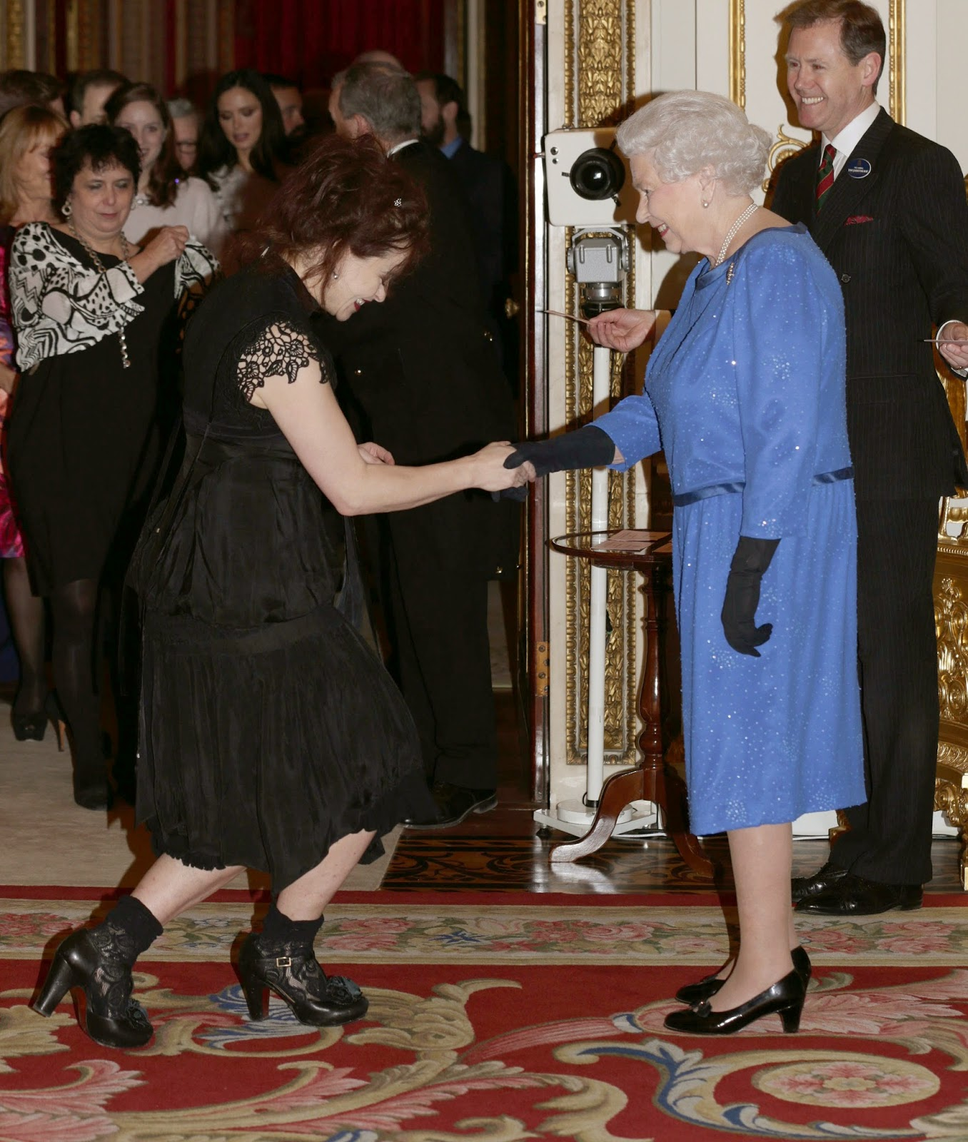 Мечтата на всеки новоизлюпен благородник е да бъде представен на кралица Елизабет II=