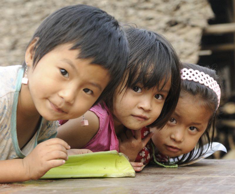 Бирма - децата са почти божества