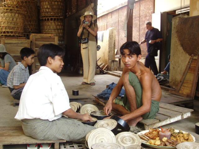 В Бирма всичко се изработва ръчно