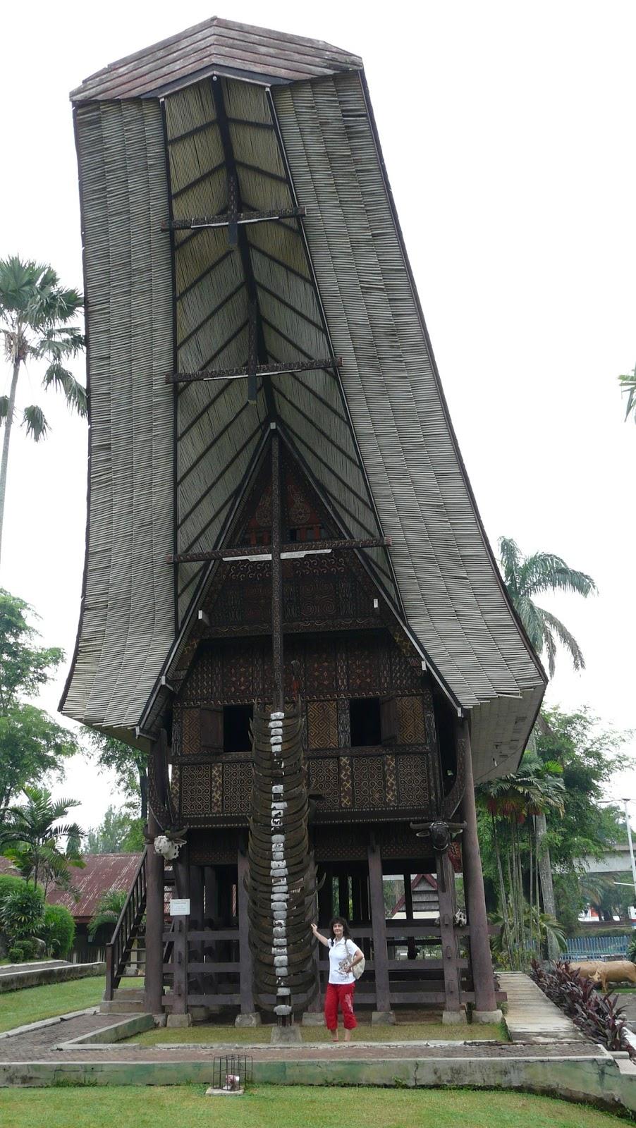 """Паркът """"Таман Мини"""" е създаден по идея на съпругата на най-дълго управлявалия индонезийски президент Сухарто"""