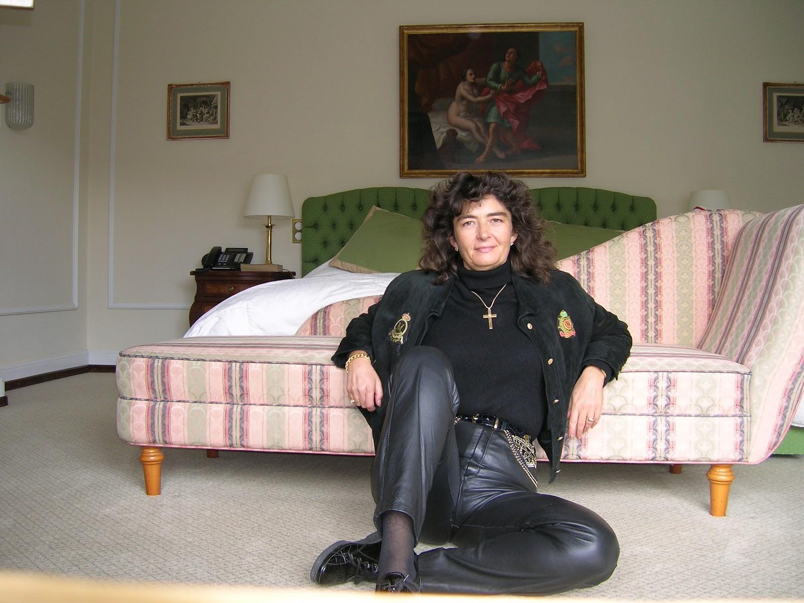 Маги Гигова пред леглото на Джордж Клуни